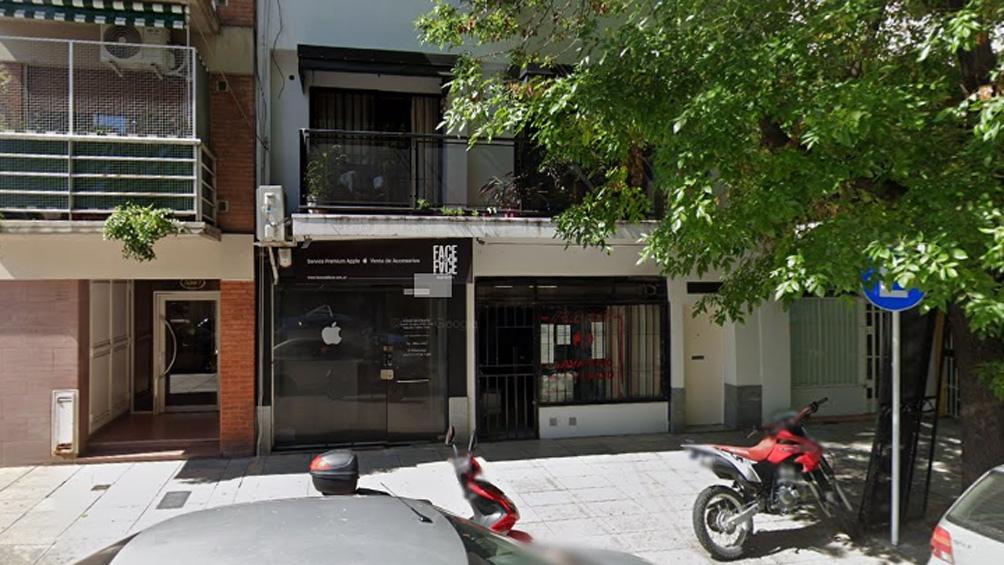 El frente del departamento en la calle Ciudad de La Paz donde fue apuñalado Muñoz.