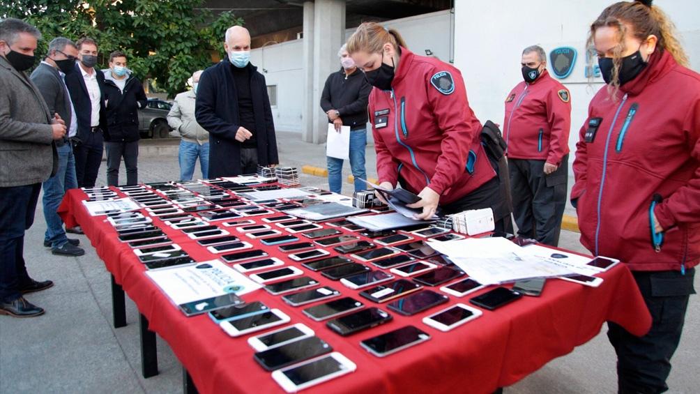 Horacio Rodríguez Larreta participó de la devolución de los aparatos robados.