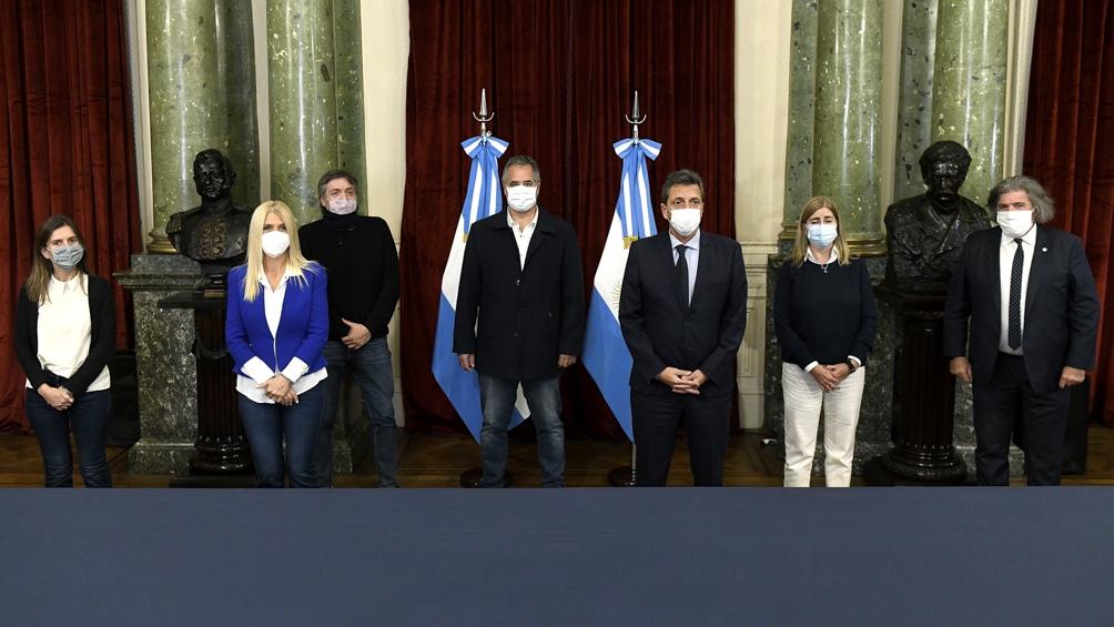 La iniciatia beneficiará a usuarios de municipios de Buenos Aires, Mendoza, San Juan, San Luis y Salta.