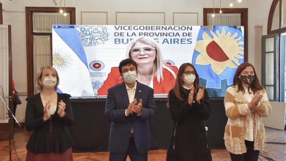 Gómez Alcorta estuvo acompañada de su Estela Díaz y Ferqnando Espinosa.