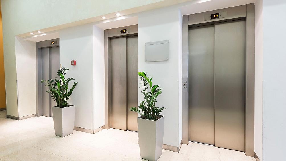En la ciudad de Buenos Aires existen más de 80.000 elevadores registrados.