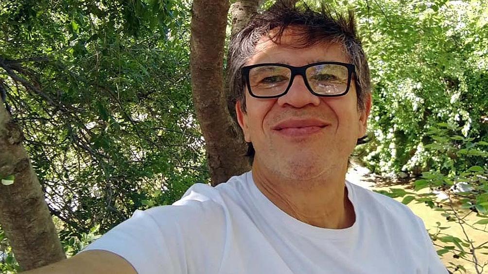 Barrios trabajó en la redacción central de la Agencia de Noticias Télam desde 1983.