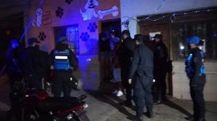 Disturbios y detenciones en fiestas clandestinas en Córdoba y Jujuy