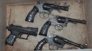 Sacaron de circulación 600 armas y 10 mil balas en Santa Fe