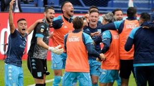 Racing le ganó a Vélez por penales y clasificó a la semifinal