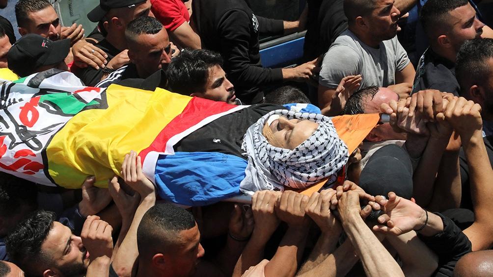 Al menos 198 palestinos murieron por los ataques aéreos y de artillería israelíes en Gaza, incluyendo 58 chicos y 35 mujeres, y más de 1.300 resultaron heridos.