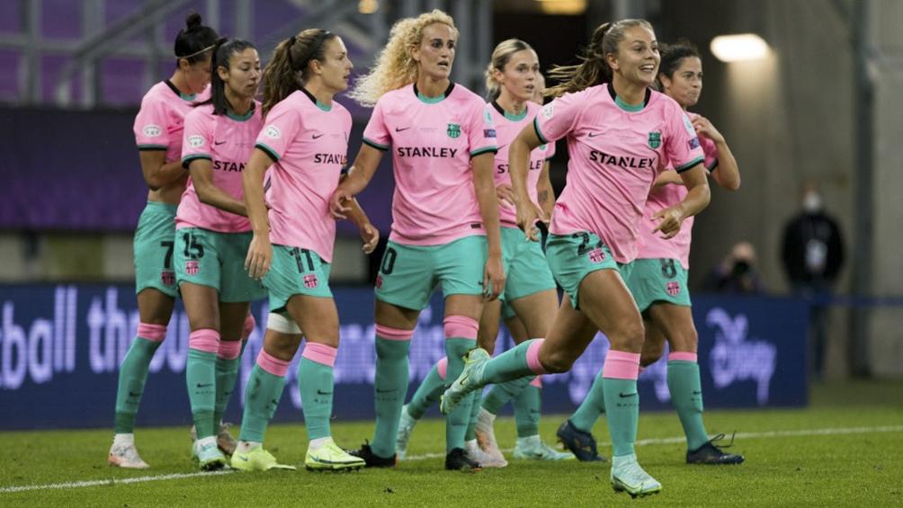 Las chicas de Barcelona festejan la victoria.