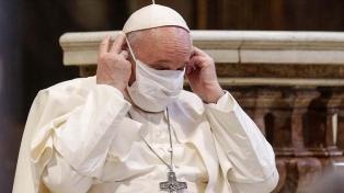 Someten al Papa a una intervención quirúrgica