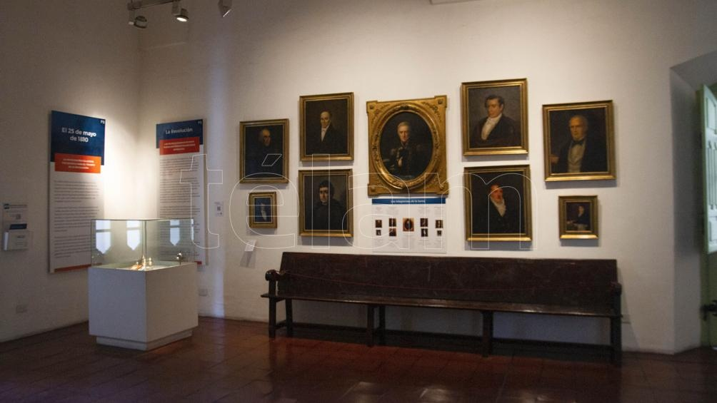 En el Museo del Cabildo, los retratos de sus miembros: Miguel de Azcuénaga, Juan J. Paso, Cornelio Saavedra, Mariano Moreno, Domingo Matheu, Juan J. Castelli, Manuel Alberti, Manuel Belgrano y Juan Larrea (Lara Sartor/Telam).