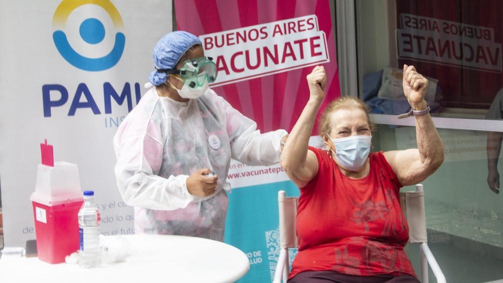 """""""Este panorama se podría revertir vacunando más, tenemos que aumentar el ritmo y lograr una mejor cobertura, por lo menos de todos los grupos de riesgo""""."""