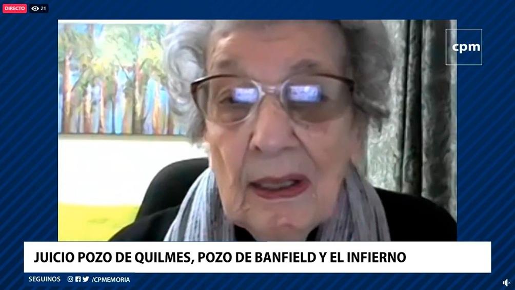 Delia mostró la foto de muestra la foto de su nieta Virginia, que buscó a su hermano hasta el 2011, en que se suicidó.