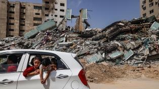 Distribuyen la ayuda y negocian la reconstrucción tras la tregua entre Israel y Hamas