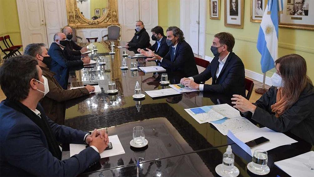 El encuentro tripartito en la Rosada fue encabezado esta mañana por Cafiero y asistieron los ministros nacionales Sabina Frederic (Seguridad) y Alexis Guerrera (Transporte).