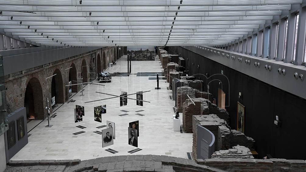 Vista general del Museo de Casa Rosada. Se trata del Patio de Maniobras de la ex Aduana Taylor. Allí se visualiza la muestra Retratos Presidenciales, recientemente inaugurada.
