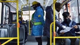La circulación en transporte público bajó 50 % con las restricciones