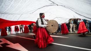 Cuatro décadas de balotajes y  polarización en Perú