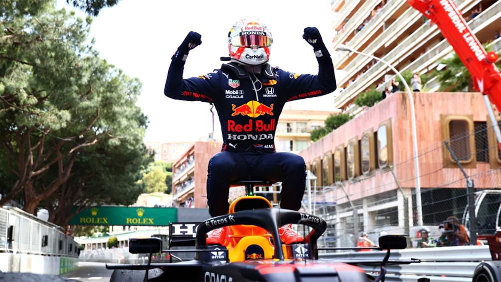 Verstappen ganó en Mónaco y desplazó a Hamilton del liderazgo