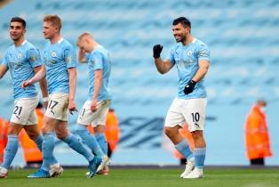 """El """"Kun"""" Agüero se despidió del Manchester City en la Premier con dos goles y un récord"""
