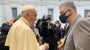 Francisco festejó los seis años de la encíclica Laudato si' con 100 pobres de Roma