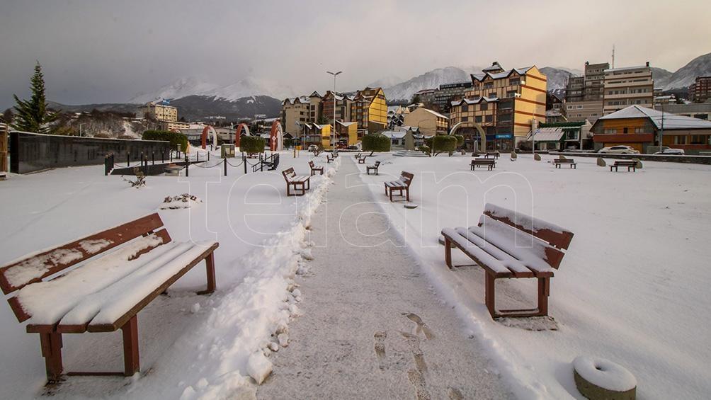 Se destacó la persistencia de temperaturas máximas muy bajas en todo el centro y norte del país.