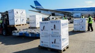 Llegó a Moscú un vuelo de Aerolíneas que traerá al país 800 mil nuevas vacunas
