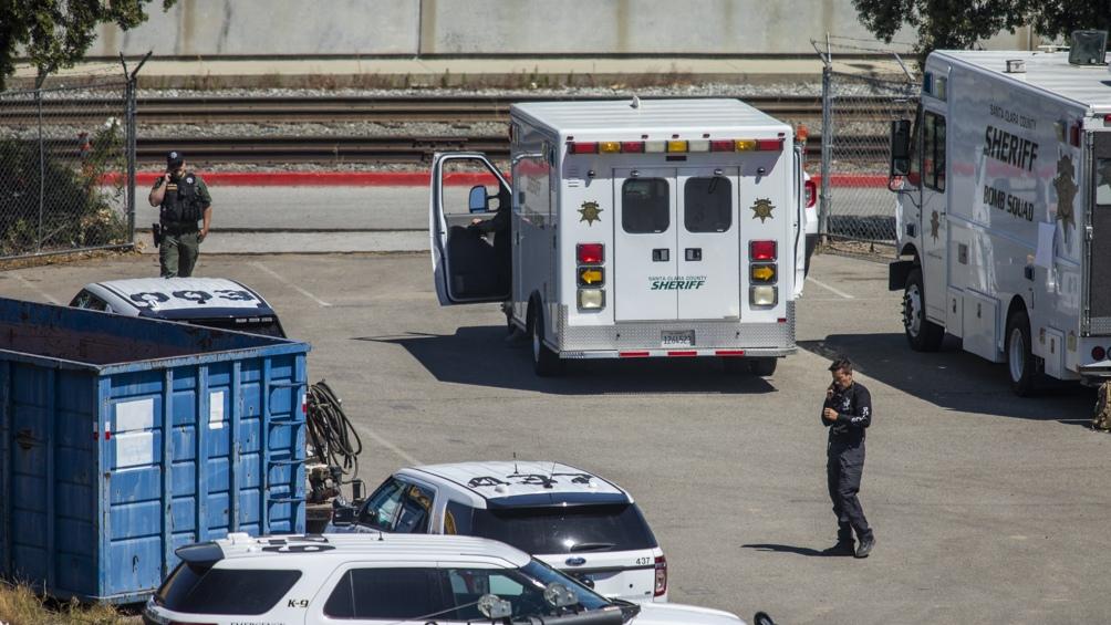 Al menos nueve personas murieron en un tiroteo ocurrido en una instalación de transporte público del tren