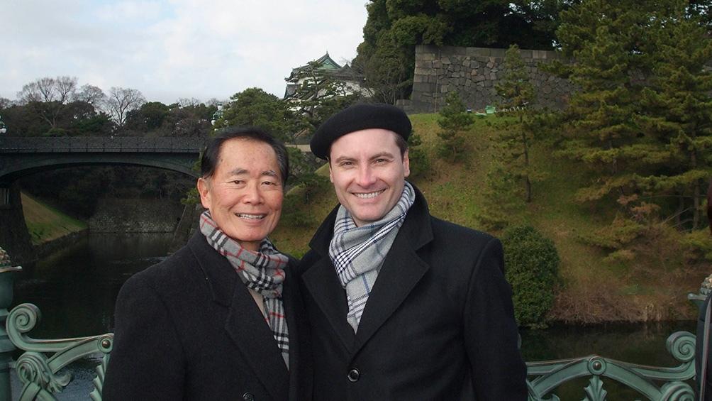 """Fabio Banegas con el actor George Takei, el Dr. Sulu de la serie """"Viaje a las estrellas"""""""