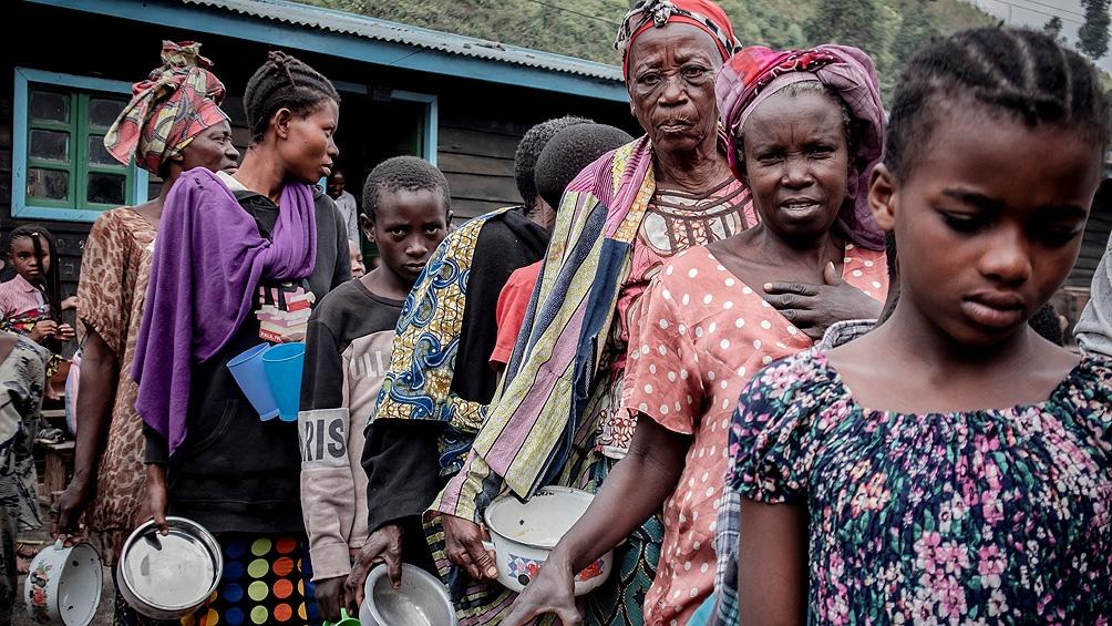 """""""La OMS debe reparar a las mujeres que fueron traumatizadas por las violaciones y las decenas de niños que nacieron de esos embarazos no deseados"""", expresó el organismo."""