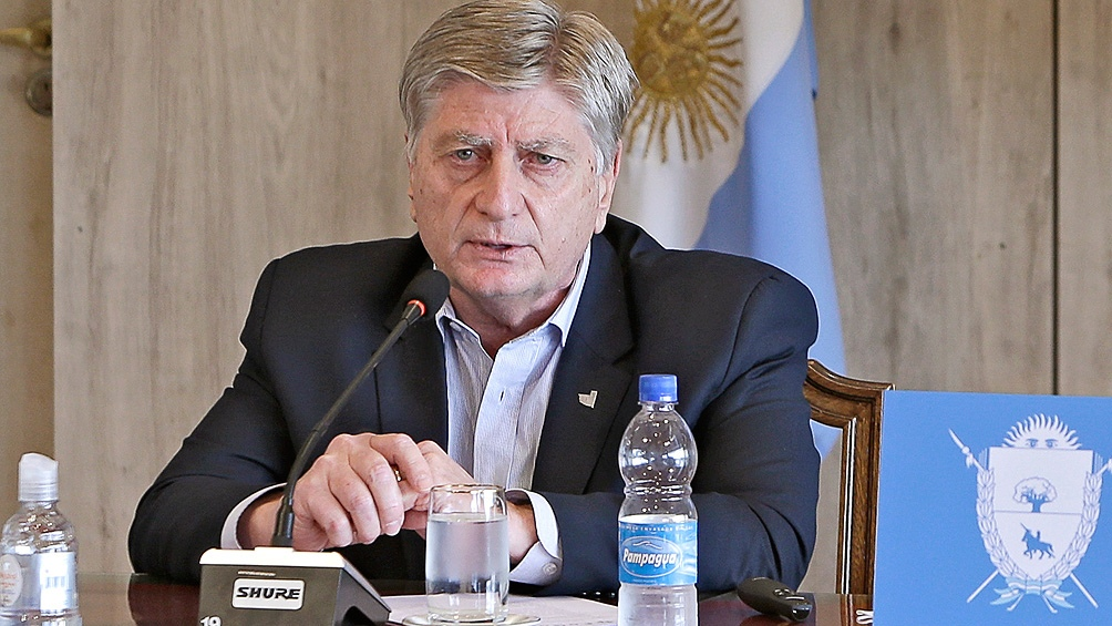 El gobernador pampeano encabezó el acto de presentación de los precandidatos a diputados y senadores del Frente de Todos