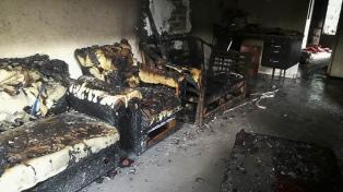 Se incendió un geriátrico clandestino en Ituzaingó: hay seis personas afectadas