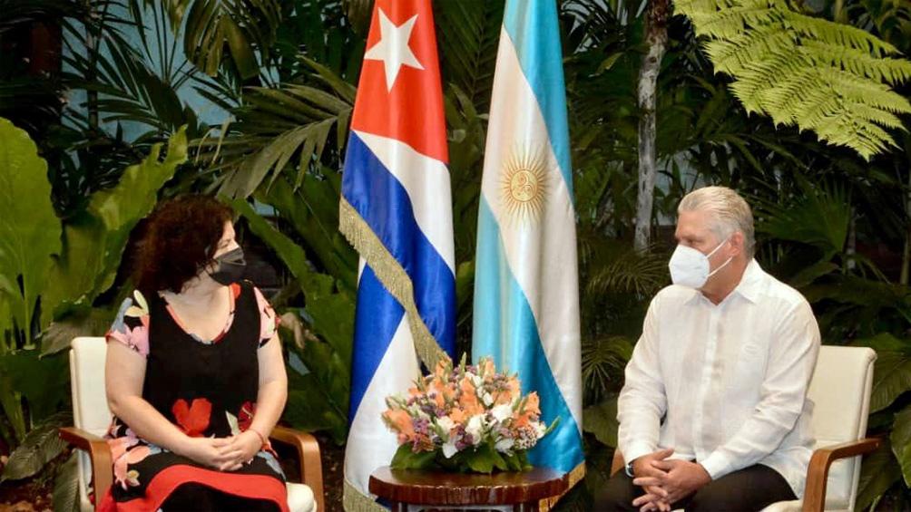 La ministra Carla Vizzotti en Cuba junto al presidente Miguel Díaz-Canel Bermúdez.