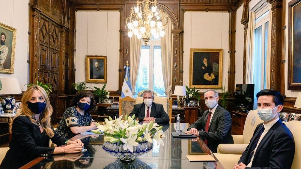 El subsecretario de Prevención y Promoción de la Salud, Hugo López-Gatell Ramírez, en su encuentro con Alberto Fernández.