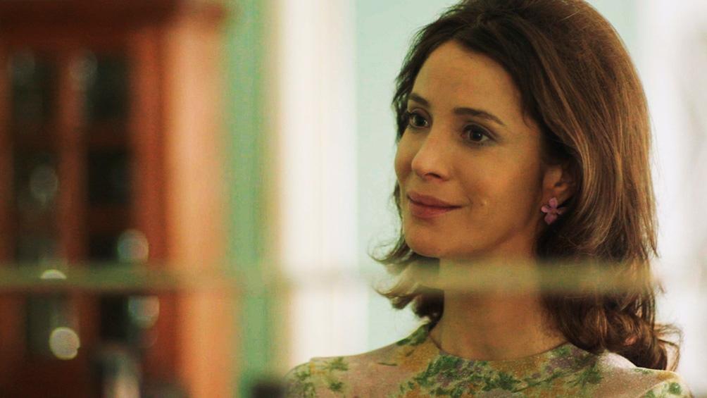 Daniela Ramírez en la piel de la escritora Isabel Allende