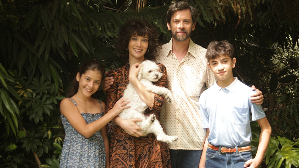 La familia de Isabel en la serie de Amazon Prime Video