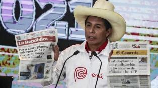 """Castillo agradece los saludos de la región y pidió """"mantenerse alerta"""" en Perú"""