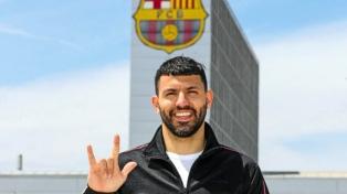 Agüero adelantó su vuelta de las vacaciones y se sumó al Barcelona