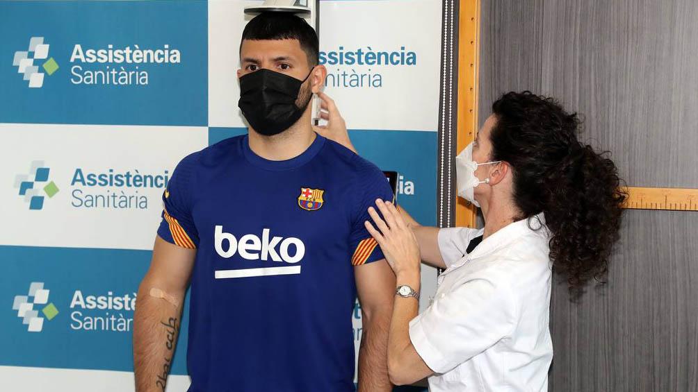 Agüero se suma al seleccionado argentino tras haber firmado con el Barcelona