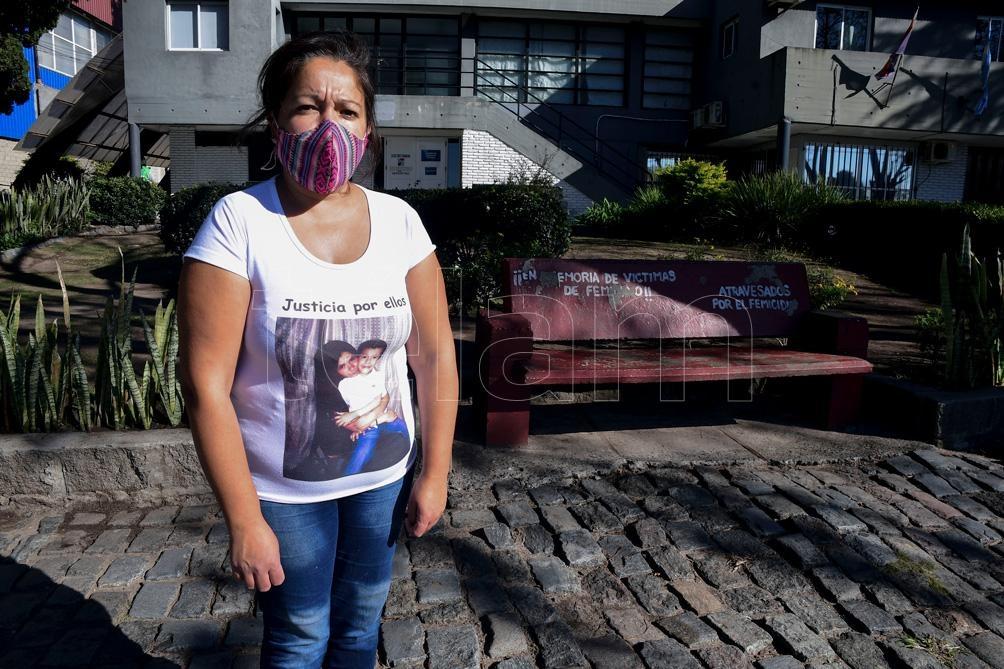 """Lorena realizó cursos de promotora de género """"para acompañar a otras personas que necesitan ayuda"""". Foto: Candelaria Lagos."""