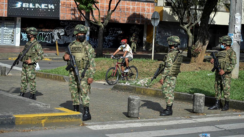 """El informe señala que """"el Estado colombiano debe ser investigado por haber desplegado sobre población civil indefensa, prácticas inscriptas en la lógica bélica"""""""