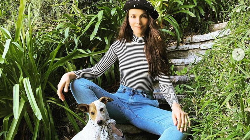 Natalia Oreiro y Coca, la perra que adoptó en pandemia gracias a la ONG Proyecto Cuatro Patas.