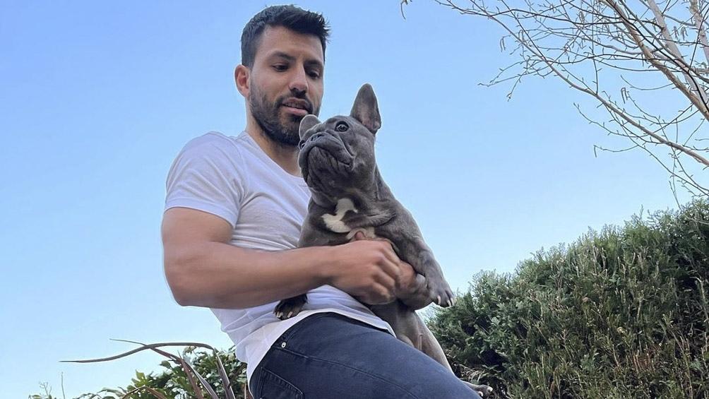 """Sergio """"Kun"""" Agüero y Capri, su bulldog francés."""