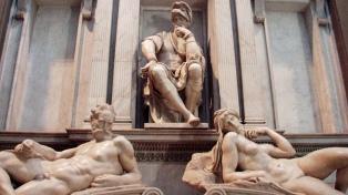 """En la Capilla de los Médici en Florencia, las bacterias """"restauran"""" esculturas de Miguel Ángel"""