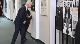 """Biden recuerda una masacre y pide memoria: """"No se puede sepultar el dolor por siempre"""""""