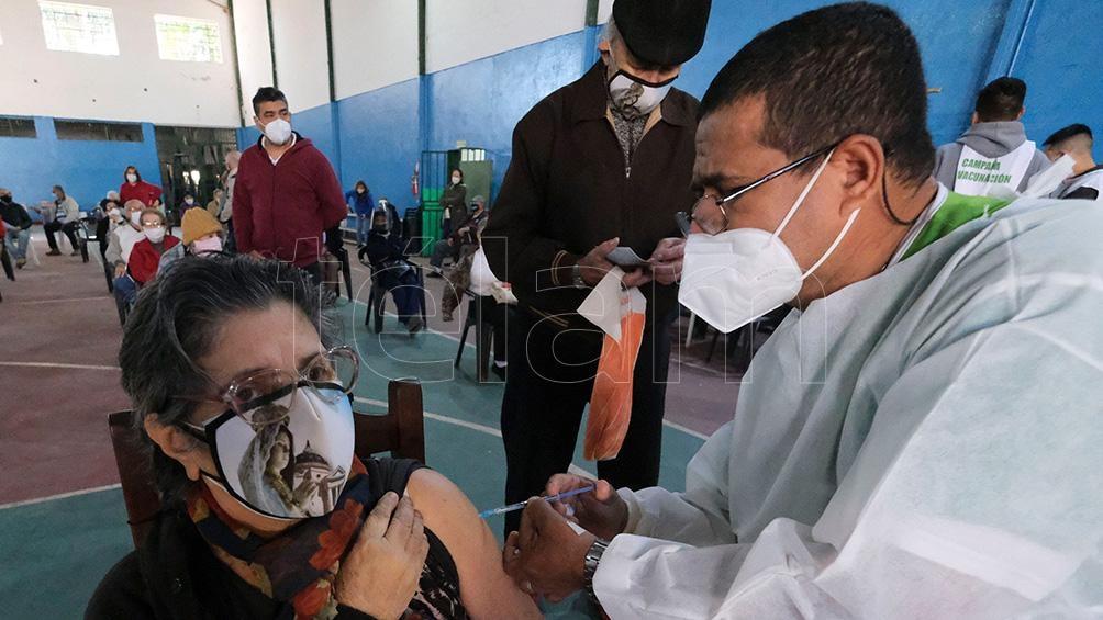 El gobierno de Corrientes anunció que continúa la inscripción de personas mayores de 18 años para acceder a la vacunación.