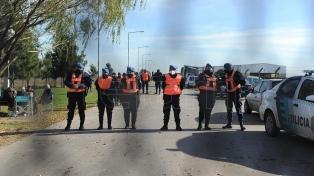 Más de 100 policías buscaron a Tehuel en dos predios en Burzaco y San Vicente