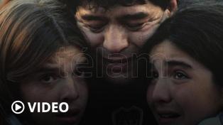 La muestra fotográfica sobre Diego Maradona brilla en Serbia con excelentes críticas
