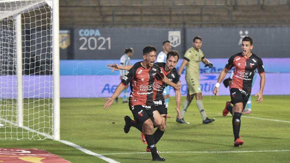 Aliendro con la apertura del marcador para Colón ante Racing