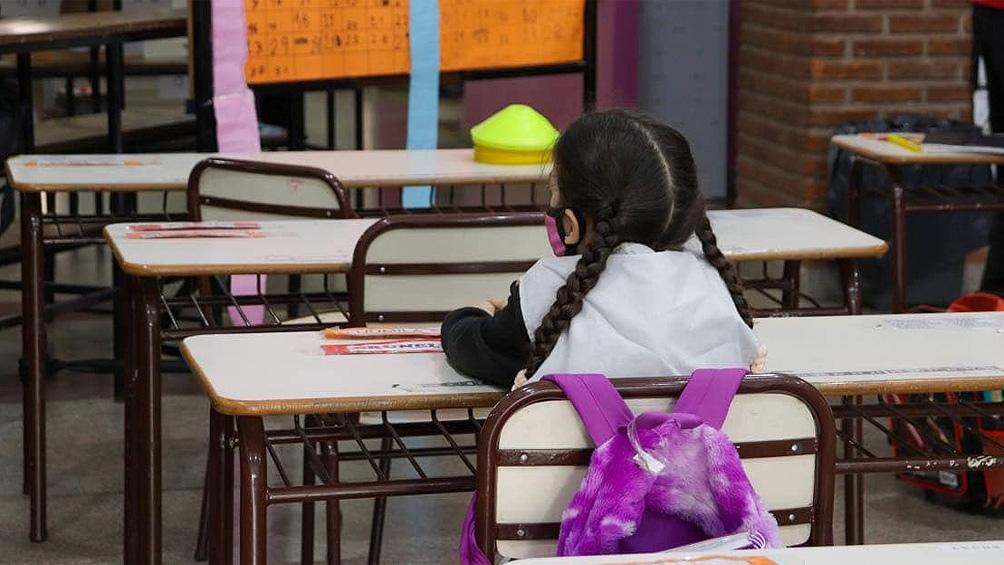 """Graciano: """"Las escuelas, las aulas y los baños no están en condiciones para la vuelta a presencialidad total""""."""