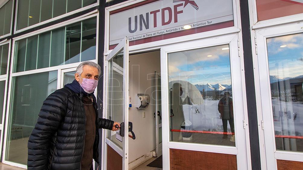 Fernández asumió el 26 de mayo como nuevo rector de la Universidad Nacional de Tierra del Fuego.