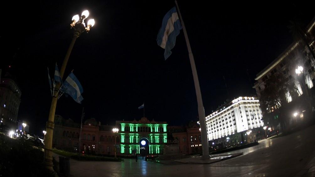 Seis edificios emblemáticos se iluminaron de verde por el Día Mundial del Ambiente